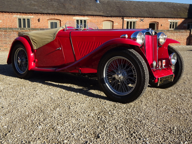 SOLD -   SOLD   -   SOLD   -   MG TC 1250CC 1949 (MG TC MIDGET) FINISHED IN RED WITH BEIGE HIDE INTE