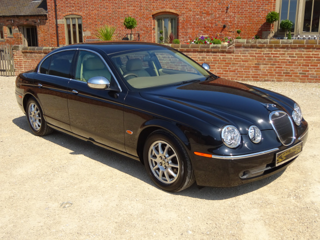 SOLD -   SOLD   -   SOLD   -  JAGUAR S TYPE V6 2500CC AUTO 2005 - COVEREED 27k MILES /44k KLM FROM N