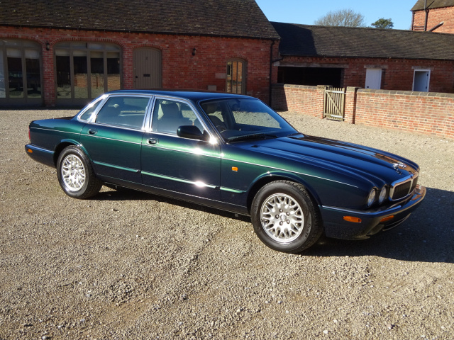 SOLD   -   SOLD   -   SOLD  -  JAGUAR XJ8 3.2 EXECUTIVE - 2000 - COVERD 31K KLM / 19K MILES FROM NEW
