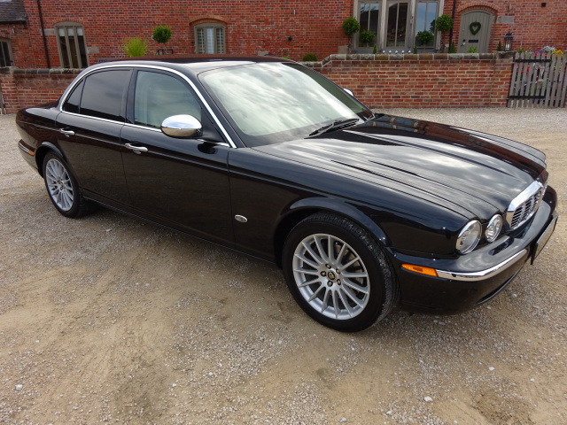 JAGUAR XJ6 EXECUTIVE 3.0 LTR V6 AUTO 2006 - COVERED 30K MILES / 48K KLM FROM NEW WITH 1 OVERSEAS OWN